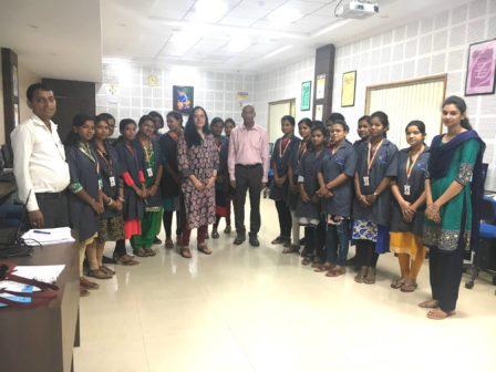 sdi_bhubaneswar_meeting_girls_students