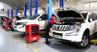 women technicians at Mahindra & Mahindra 2